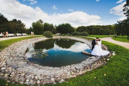 Выездная регистрация брака на аллее любви в Коломенском