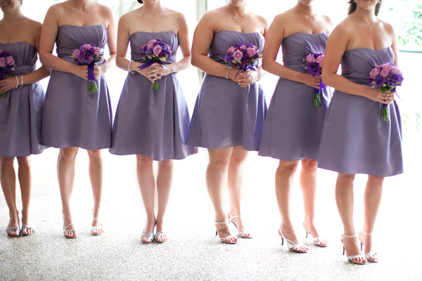 Наряды подружек невесты для лавандовой свадьбы