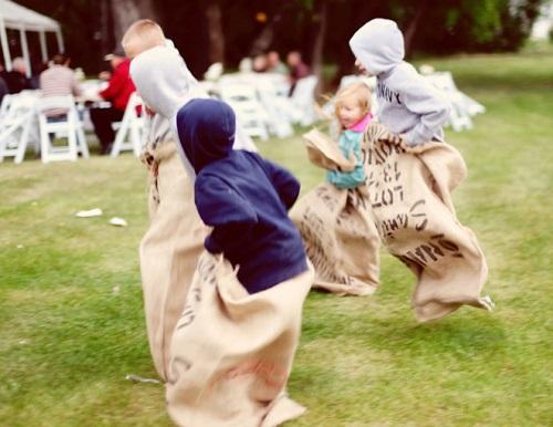 Как поступить с маленькими детьми на свадьбе