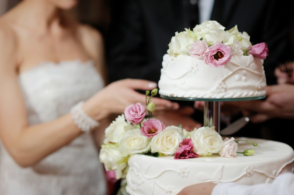 Как правильно выбрать свадебный торт?