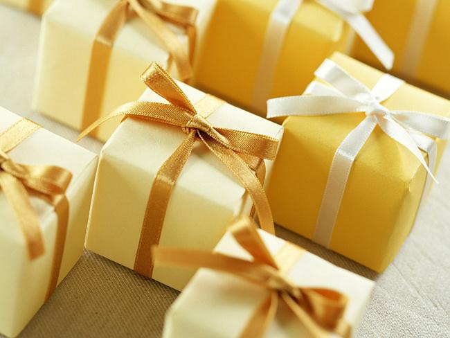 Выбор желанных подарков на свадьбу:  На что обращать внимание при составлении списка?