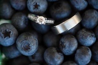 В тренде ягоды и фрукты — черничная свадьба