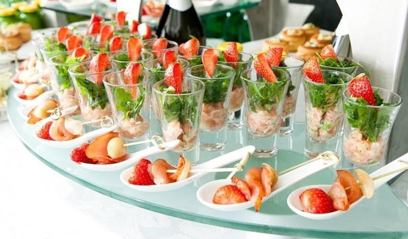 Особенности подбора продуктов к летнему меню на свадьбу.