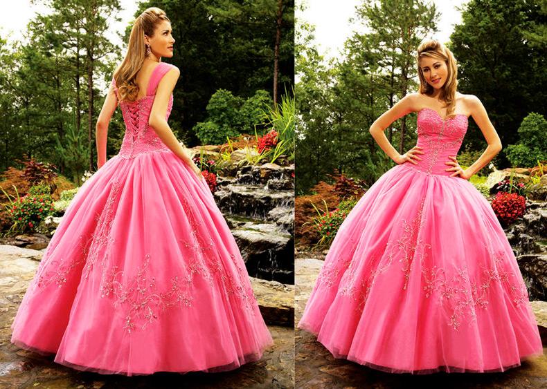 Розовое свадебное платье — мило и необычно!