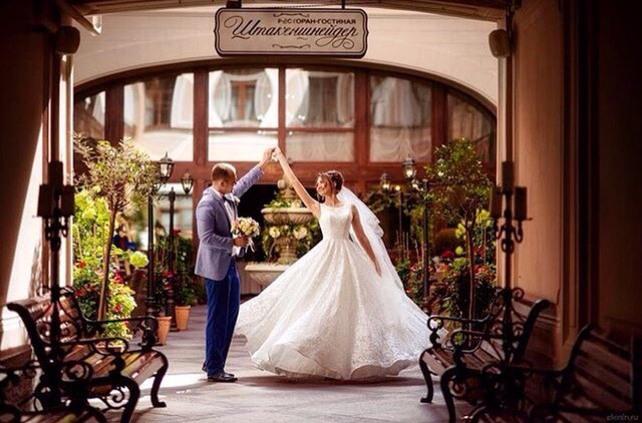 Красивая свадьба в историческом сердце Петербурга