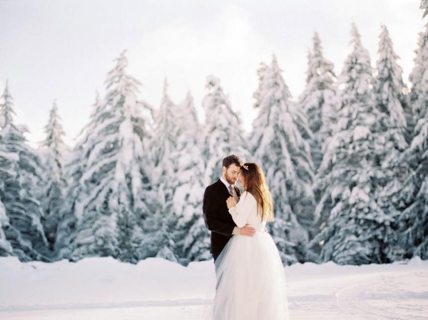 Свадьба зимой: место встречи изменить нельзя