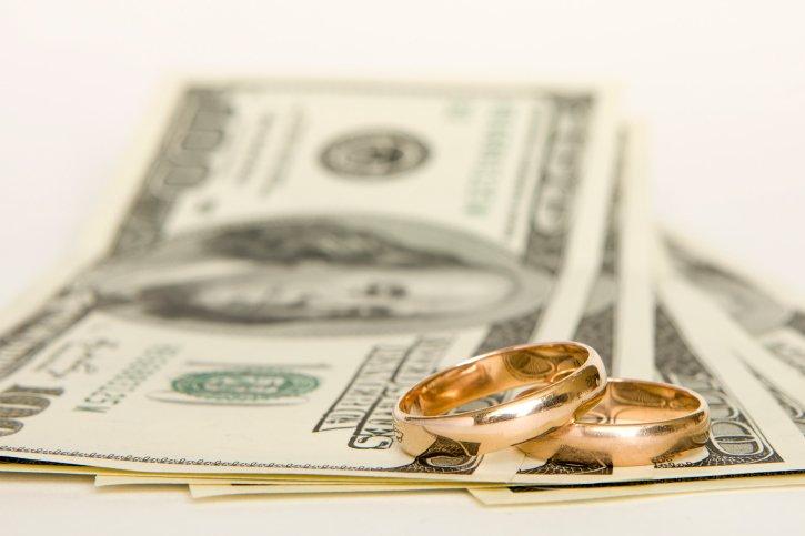 Нет денег на свадьбу: полезные советы влюбленным