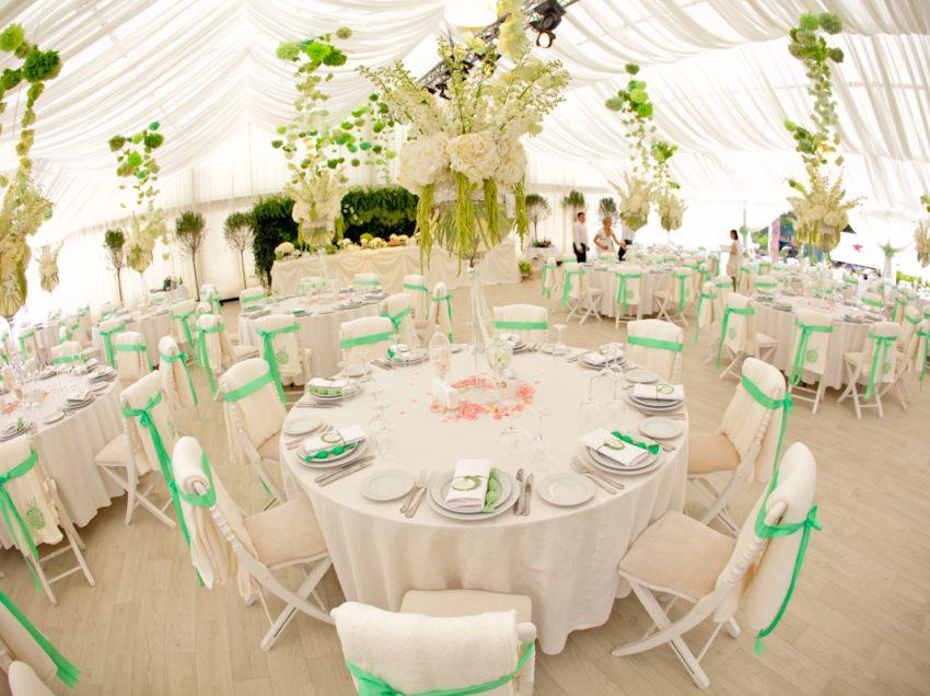 Как рассадить гостей на свадьбе: полезные советы