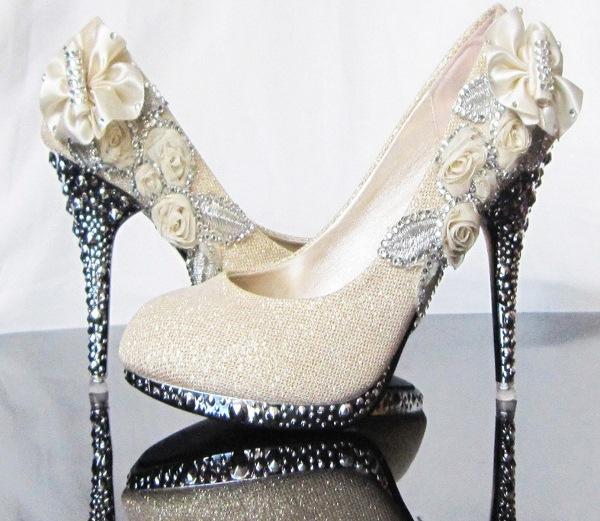 Туфельки для невесты: выбираем идеальную свадебную пару