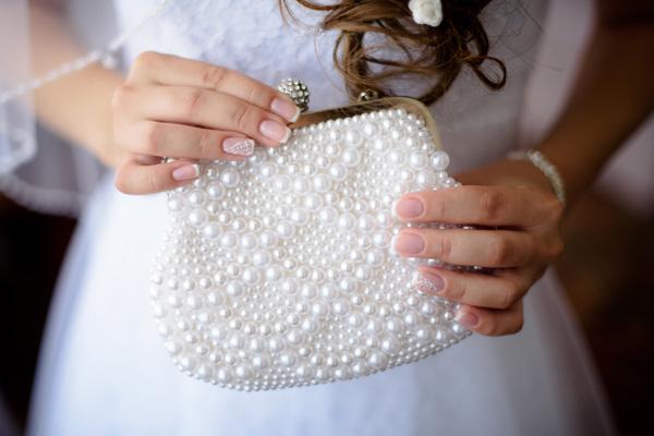 Сумочка подружки невесты: нужное содержимое