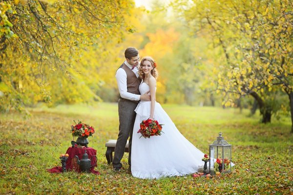 Стереотипы осенней свадьбы: как от них уйти