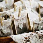 Свадьба: интересные подарки для гостей