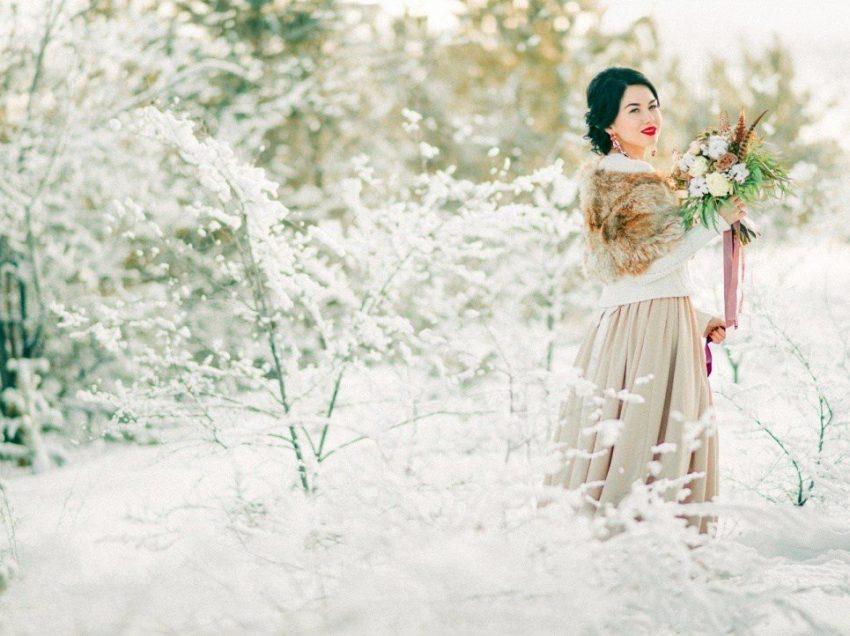 Как подчеркнуть зимний образ невесты: 6 креативных способов