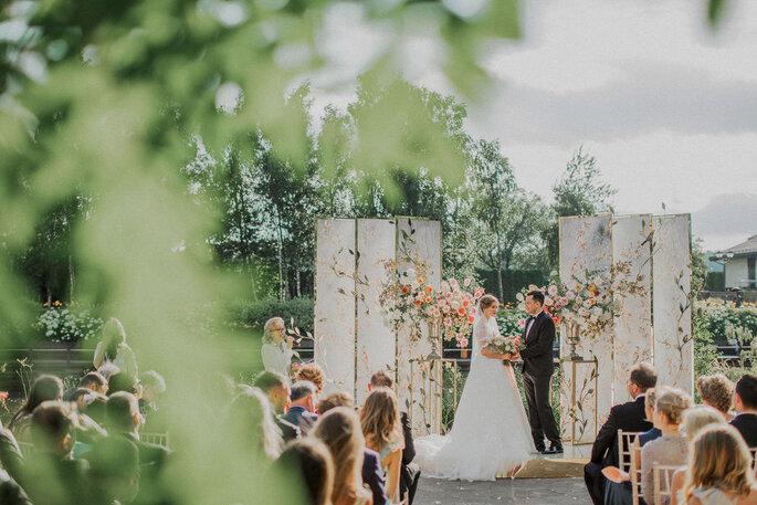 Выездная церемония бракосочетания: разновидности, особенности и цена