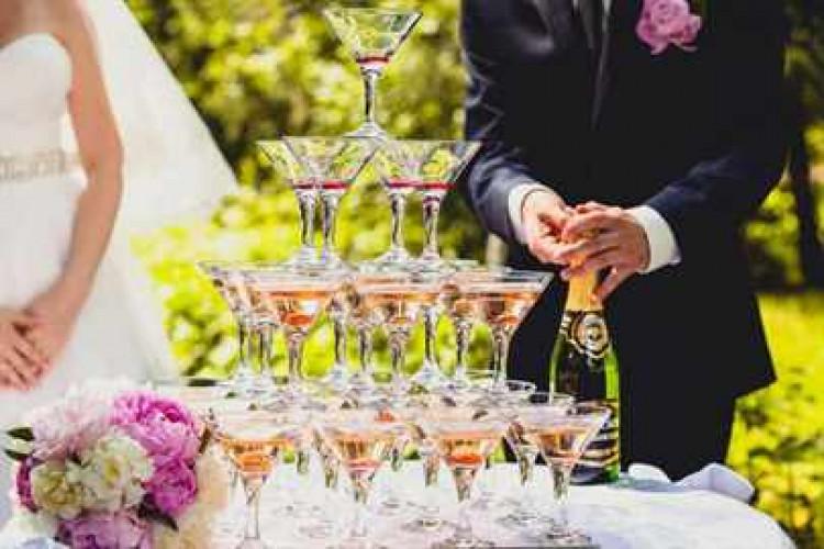 Напитки на свадьбе: формула свадебного бара