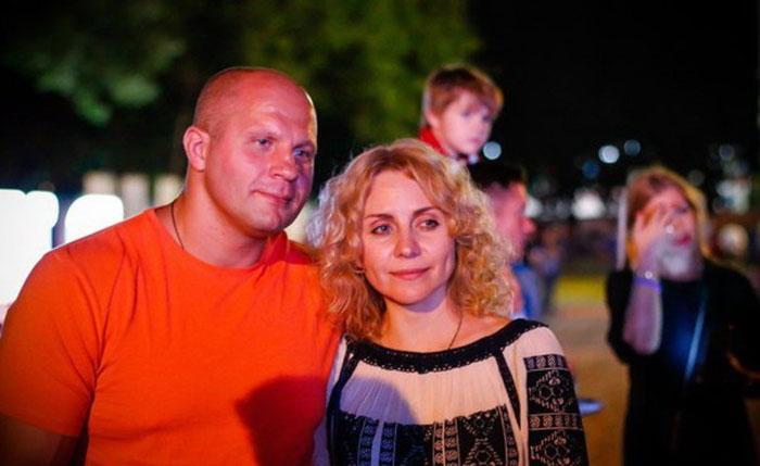 Три свадьбы и две жены Фёдора Емельяненко
