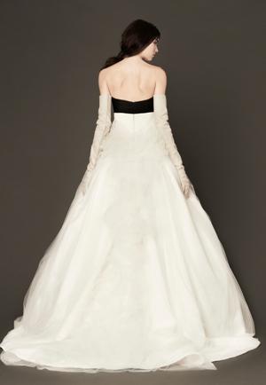 Купить свадебное платье от Vera Wang в